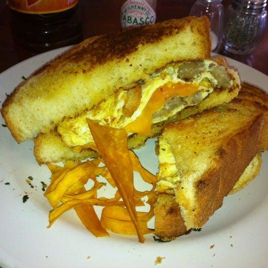 Foto tomada en Rico's Café Zona Dorada por Angel M. el 10/29/2012