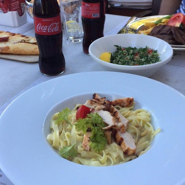 7/31/2017 tarihinde Naemah H.ziyaretçi tarafından Mihri Restaurant & Cafe'de çekilen fotoğraf