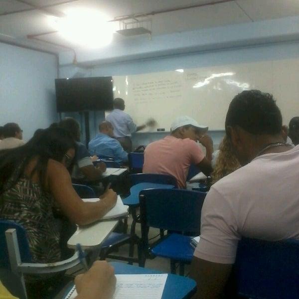 Foto diambil di UNINASSAU - Centro Universitário Maurício de Nassau oleh Amanda C. pada 8/27/2014