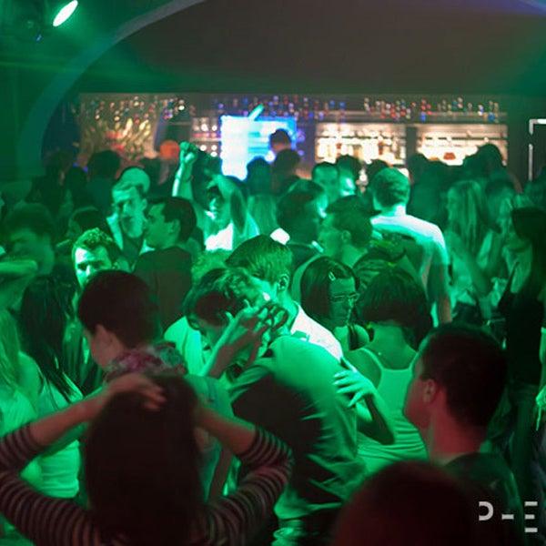 Снимок сделан в Music Bar Phenomen пользователем Music Bar Phenomen 8/18/2015