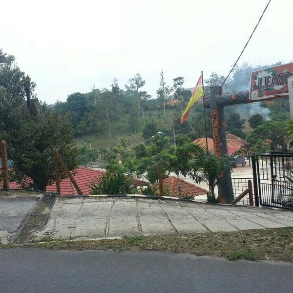 Lembah Azwen Resort - Kuala Selangor, Selangor