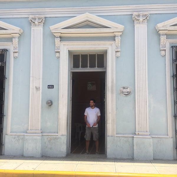 Foto tomada en Bar latino por Edgar C. el 5/30/2015