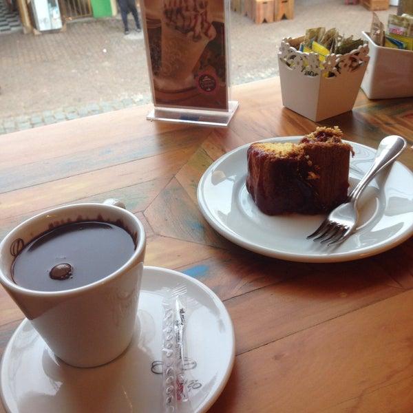Foto tirada no(a) Florbela Café por Eudes S. em 6/18/2016