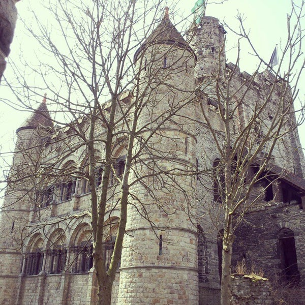 Photo taken at Castle of the Counts by Rufina S. on 4/7/2013