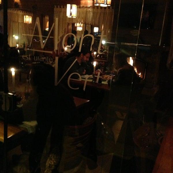 Foto tirada no(a) Restaurante Mont Vert por Fabio P. em 8/18/2013