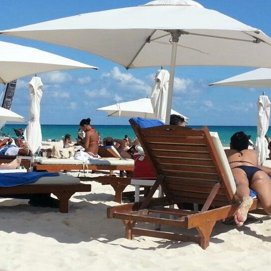 Foto tomada en Kool Beach Club por Erick R. el 11/4/2012