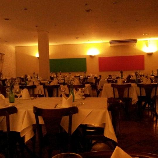 Foto tirada no(a) Casa Nostra por Santiago em 11/29/2012