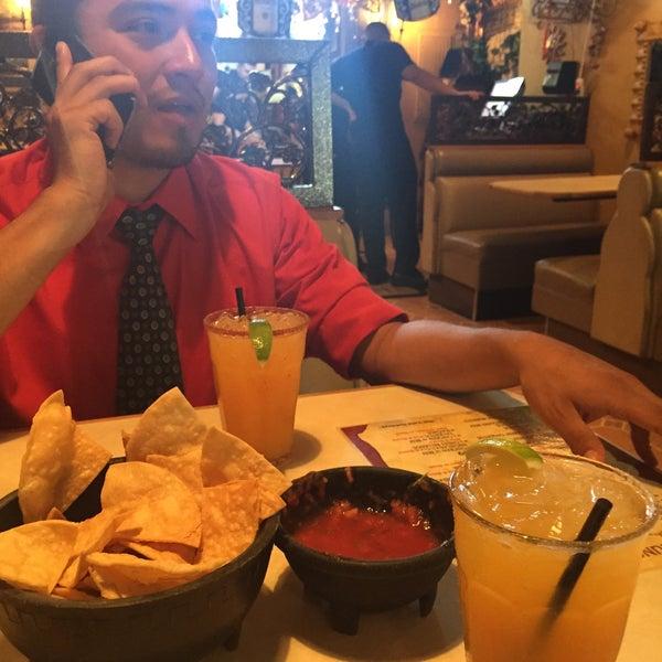Foto tomada en Fiesta Martin Mexican Grill por California el 7/3/2015