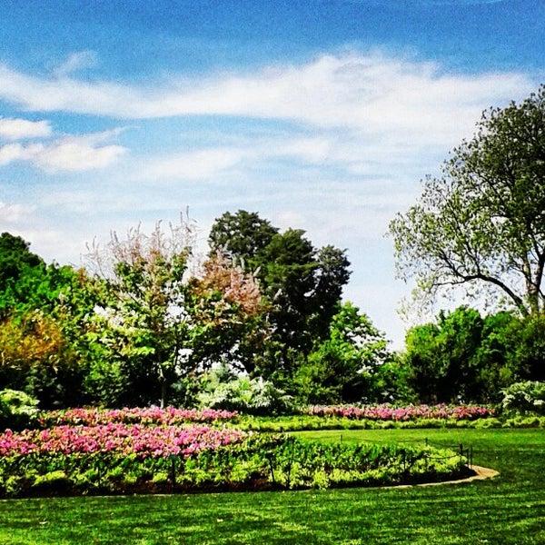 Foto tirada no(a) Dallas Arboretum and Botanical Garden por Kimberlee C. em 4/22/2013