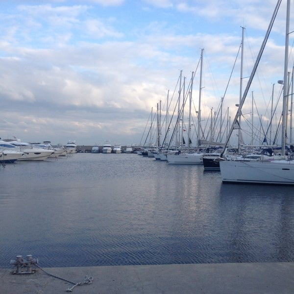 10/5/2013 tarihinde Anıl B.ziyaretçi tarafından Ataköy Marina'de çekilen fotoğraf