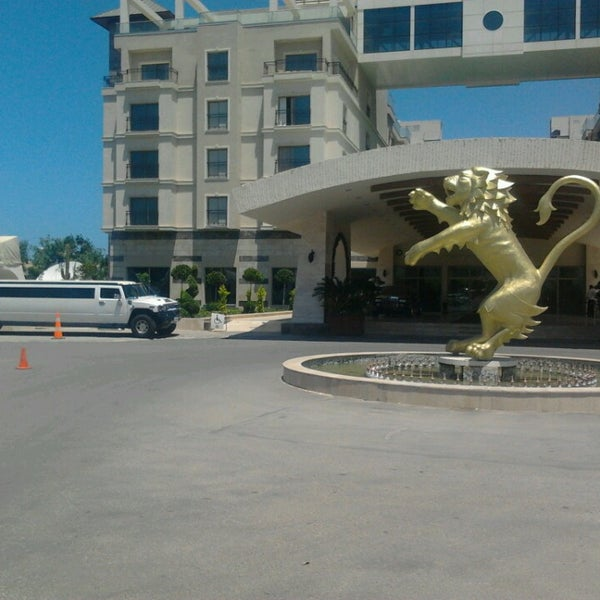 5/28/2013 tarihinde Soydan T.ziyaretçi tarafından Cratos Premium Hotel & Casino'de çekilen fotoğraf