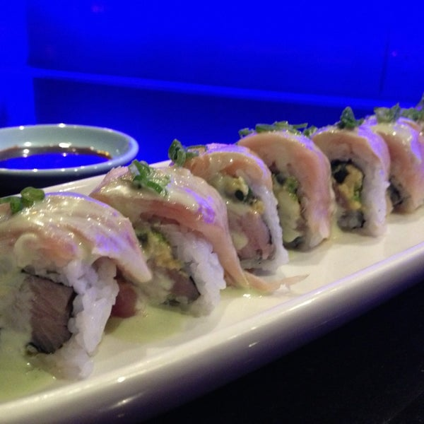 The blue fish on washington sushi restaurant in houston for Blue fish sushi