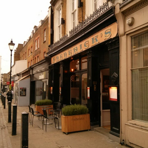 Cool Places In London For Lunch: Frederick's Bar & Restaurant