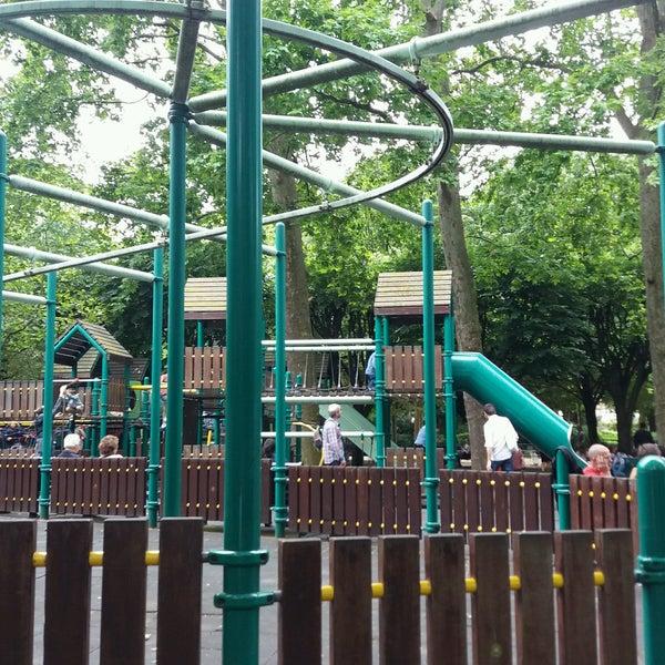 Parc de jeux du jardin du luxembourg playground in paris - Jardin du luxembourg enfant ...