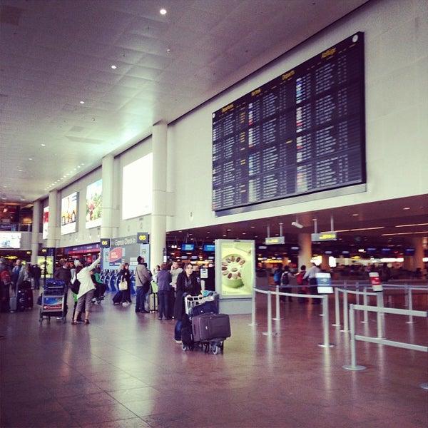 Снимок сделан в Брюссельский аэропорт (BRU) пользователем Julien 10/24/2013