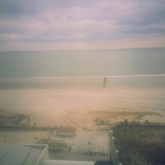 Photo taken at Atlantic Club Casino Hotel by Michele A. V. on 3/28/2013