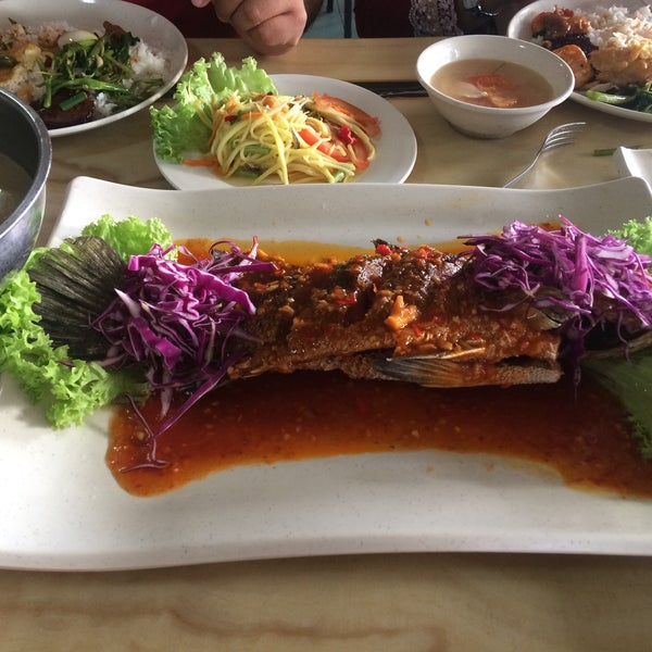 Photo taken at Restoran D'Warisan by Cha F. on 8/5/2017
