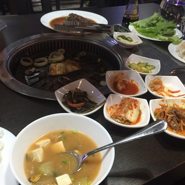 Снимок сделан в Korean BBQ гриль пользователем Tanya D. 2/14/2016