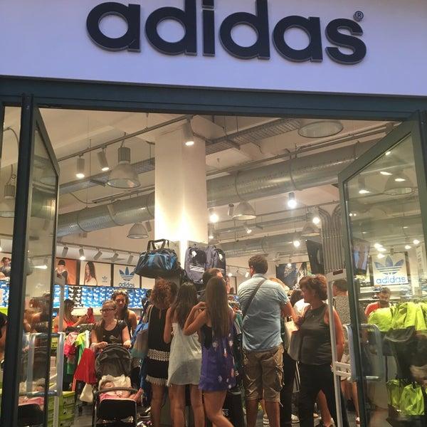 adidas Outlet Store Marcianise - Neapel, Kampanien