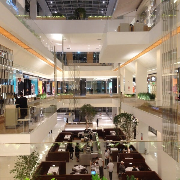 Photo taken at Shopping JK Iguatemi by Sergio M. on 7/23/2013