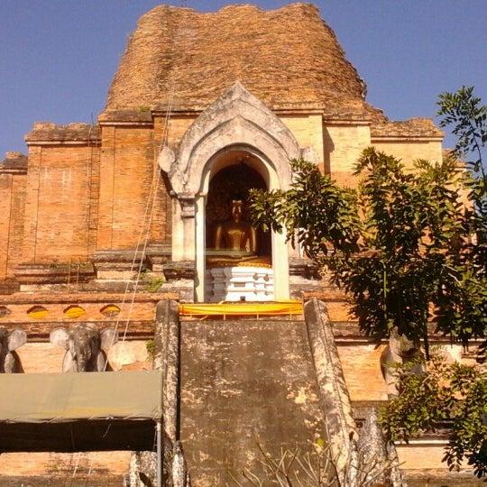 Photo taken at Wat Chedi Luang Varavihara by ภูตะวัน อ. on 12/10/2012
