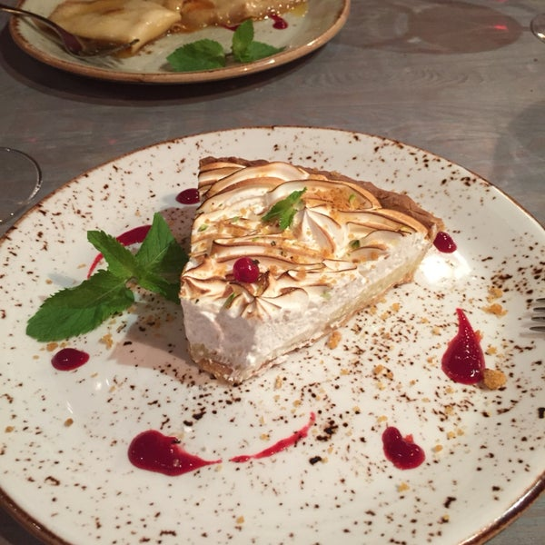 Desserts are fantastic. You always leave frustrated not to have tried them all. Starters are numerous and delicious. Main course are very tasty. I tried the Canard confit à l'Orange. Excellent