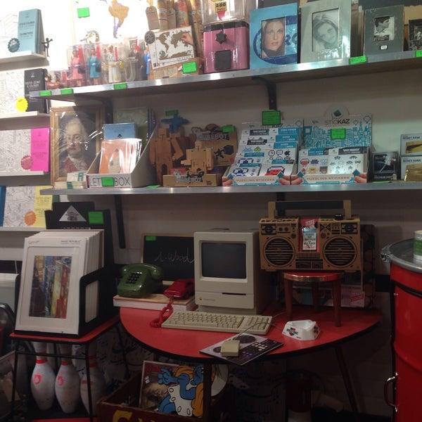 rose bunker thrift vintage store in paris. Black Bedroom Furniture Sets. Home Design Ideas