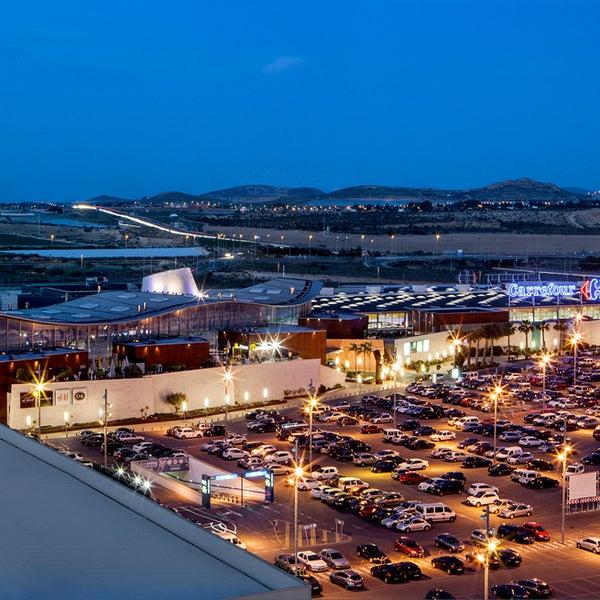 Foto tomada en Espacio Mediterráneo Centro Comercial y de Ocio por Espacio Mediterráneo Centro Comercial y de Ocio el 9/8/2015
