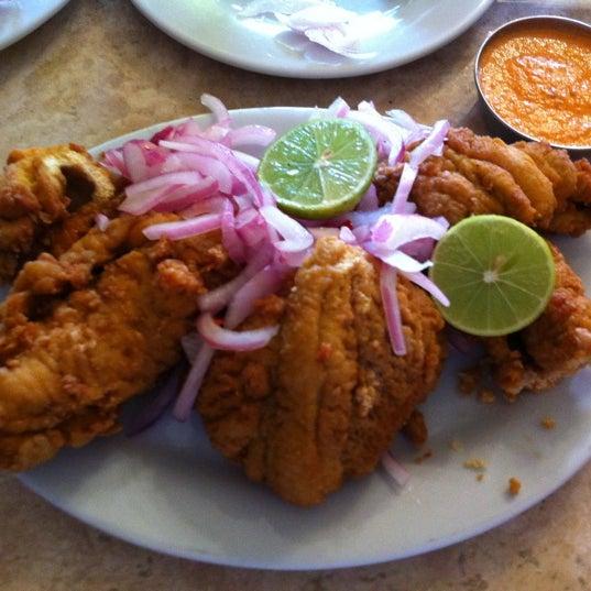 Foto tomada en Antigua Taberna Queirolo por Roberto O. el 10/27/2012