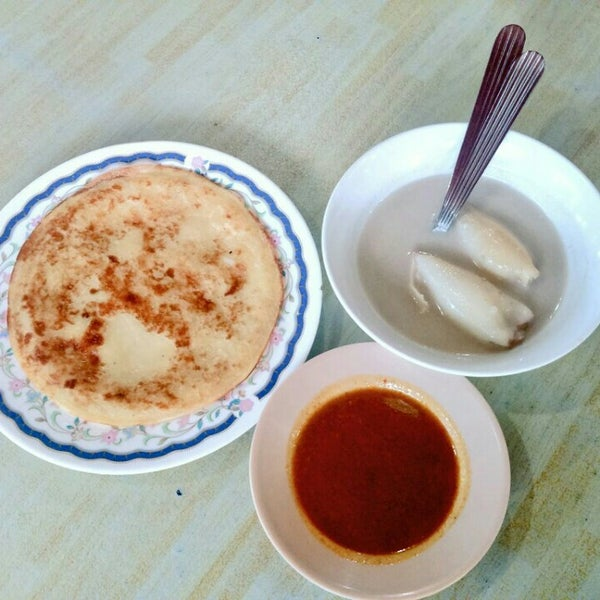 Photo taken at Restoran Lempeng by Azraan A. on 11/11/2015