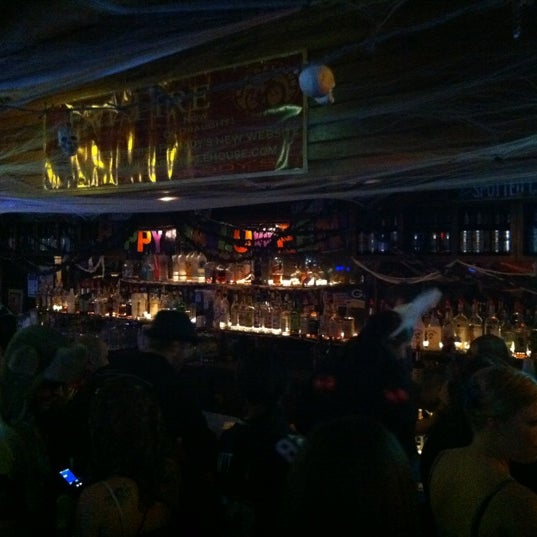 Photo taken at Peabody's Ale House by Eric H. on 10/30/2011
