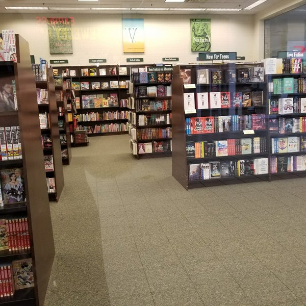 Photo taken at Barnes & Noble by Brent B. on 8/17/2017