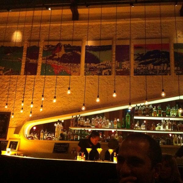 Foto tirada no(a) Meza Bar por Liv K. em 5/18/2013