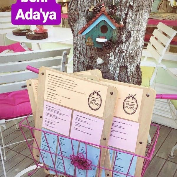 3/14/2018 tarihinde Nurcan Ç.ziyaretçi tarafından Büyükada Şekercisi Candy Island Cafe Patisserie'de çekilen fotoğraf