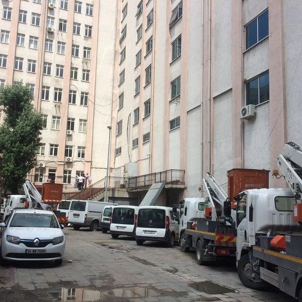 6/30/2016 tarihinde Mamii Ç.ziyaretçi tarafından Boğaziçi Elektrik Genel Müdürlüğü (Bedaş)'de çekilen fotoğraf