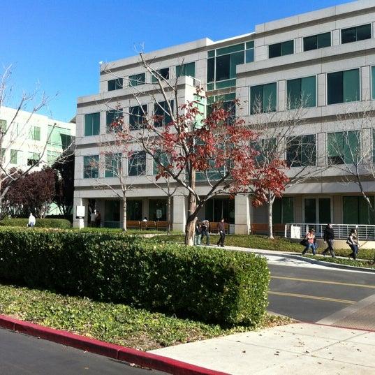 Photo taken at Apple Inc. by Gordon G. on 11/2/2012