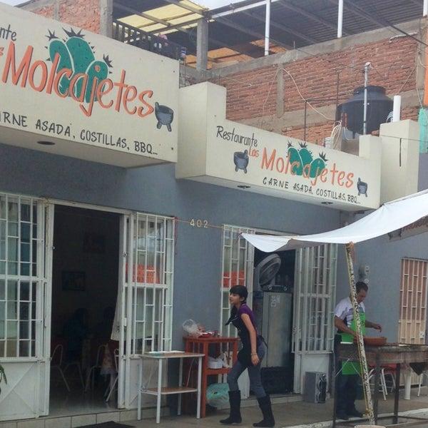 Los molcajetes restaurante restaurante mexicano en fresnillo for Los azulejos restaurante mexicano