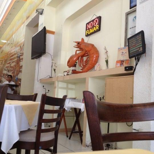 Photo taken at Restaurante Hnos. Hidalgo Carrion by Alejandro O. on 10/13/2012