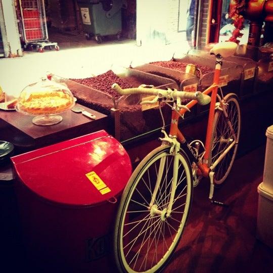 Photo taken at Mokabon by Vincent B. on 11/14/2012