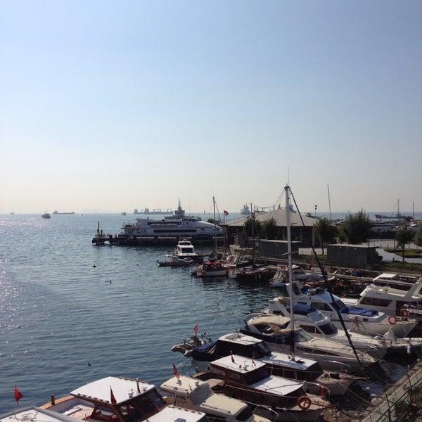 7/29/2013 tarihinde Bikasiknutellaziyaretçi tarafından Ataköy Marina'de çekilen fotoğraf