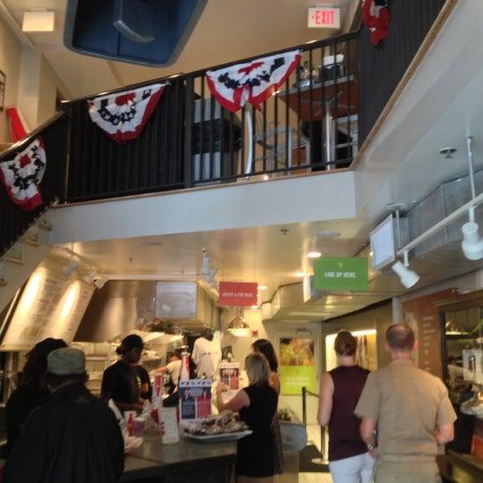 Das Foto wurde bei Good Stuff Eatery von Kevin S. am 10/3/2012 aufgenommen