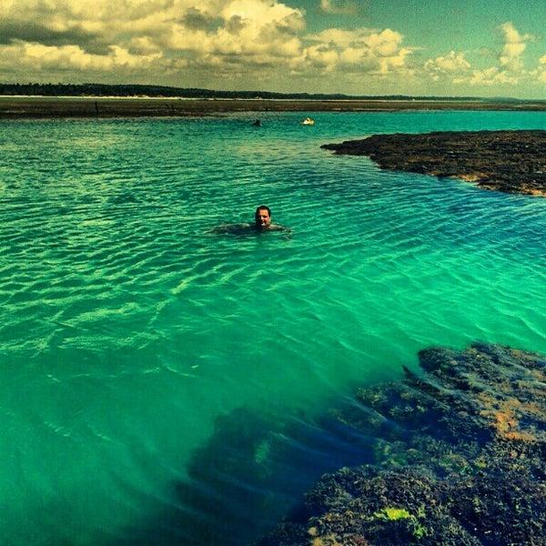 Foto tirada no(a) Praia de São Miguel dos Milagres por Paulo M. em 1/10/2013