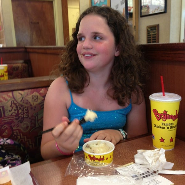 Photo taken at Bojangles' Famous Chicken 'n Biscuits by Olivia M. on 6/11/2013