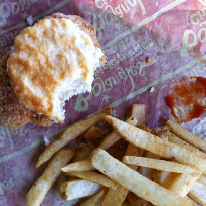 Photo taken at Bojangles' Famous Chicken 'n Biscuits by Olivia M. on 9/22/2012