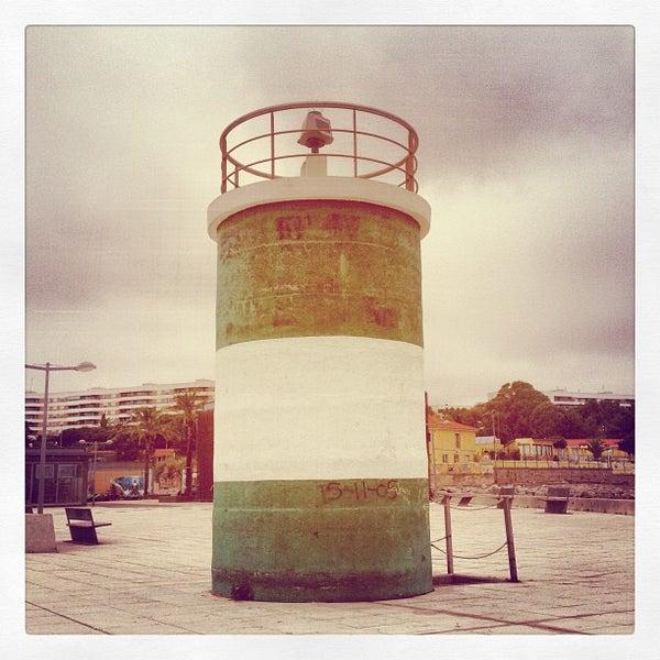 Foto tirada no(a) Porto de Recreio de Oeiras por Nuno M. em 7/12/2013