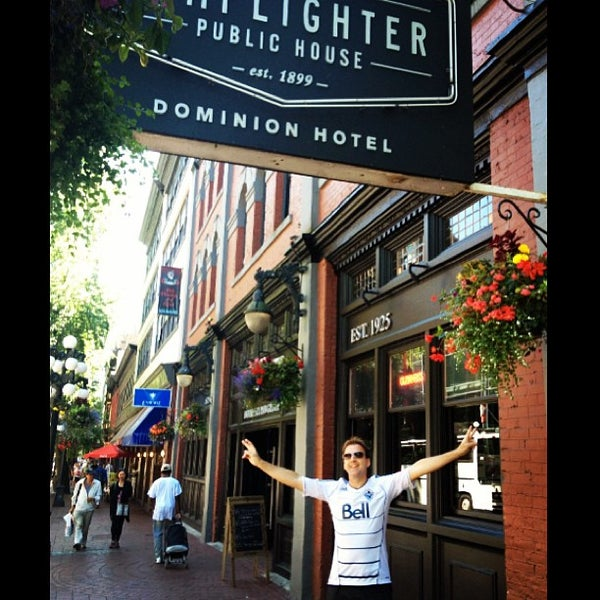 The lamplighter public house gastown 92 water st for Lamplighter gastown