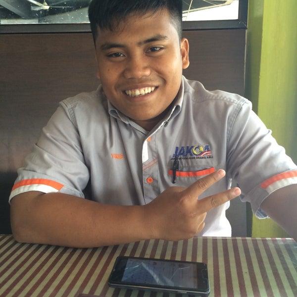 Photo taken at Restoran Anjung Seri by Azwanx M. on 1/18/2017
