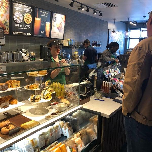 4/25/2018에 Kathie H.님이 Starbucks에서 찍은 사진