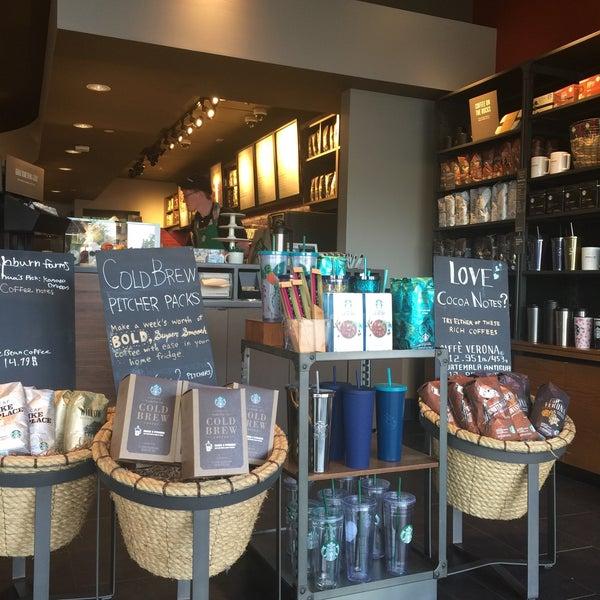 5/10/2017에 Kathie H.님이 Starbucks에서 찍은 사진