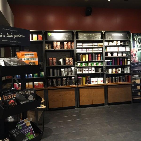 5/21/2016에 Kathie H.님이 Starbucks에서 찍은 사진